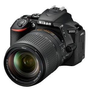Nikon D5600 + 18-140mm VR