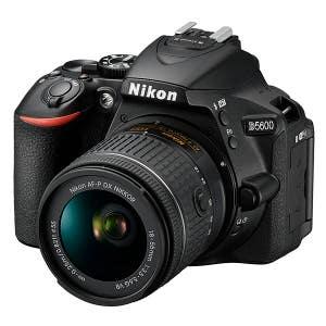 Nikon D5600 + 18-55mm VRII