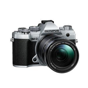 Olympus OM-D E-M5 Mark III + 14-150mm - Silver - Angle