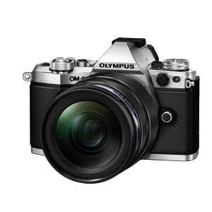 Olympus OMD E-M5 MKII + 12-40mm