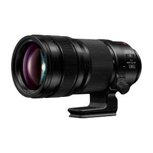 Panasonic Lumix S Pro 70-200mm f2.8 - front angle