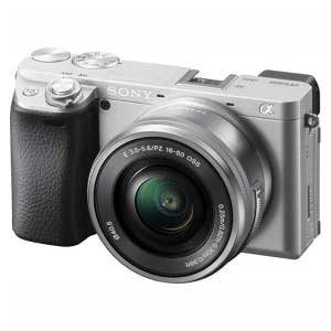 Sony A6400 + 16-50mm - Silver