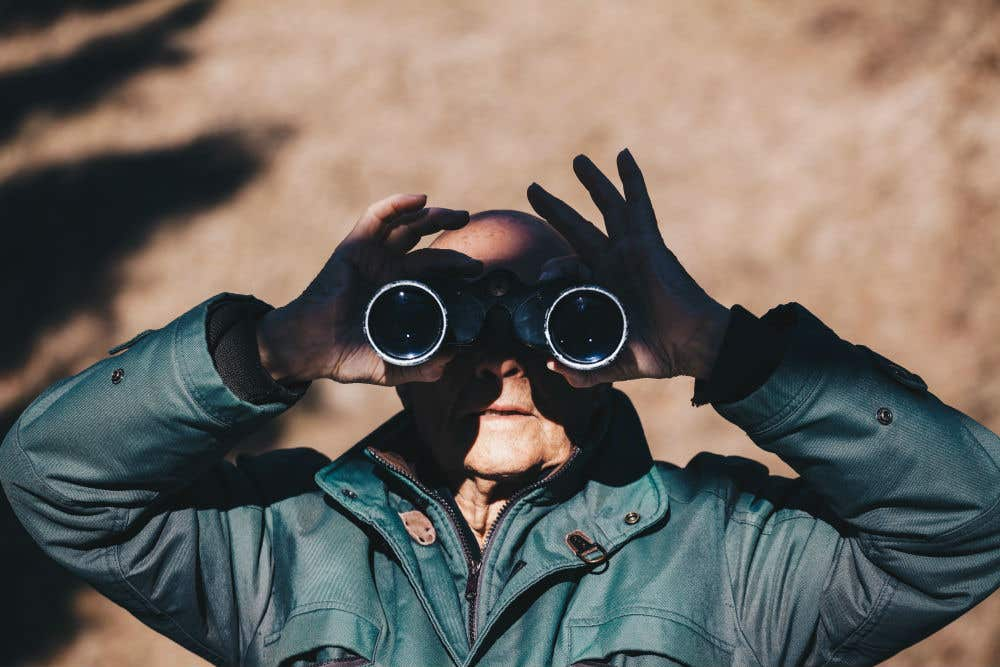5 Questions to Ask When Buying a Pair of Binoculars