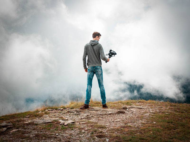 5 Tips for Choosing a Gimbal for Your Travel Vlogs