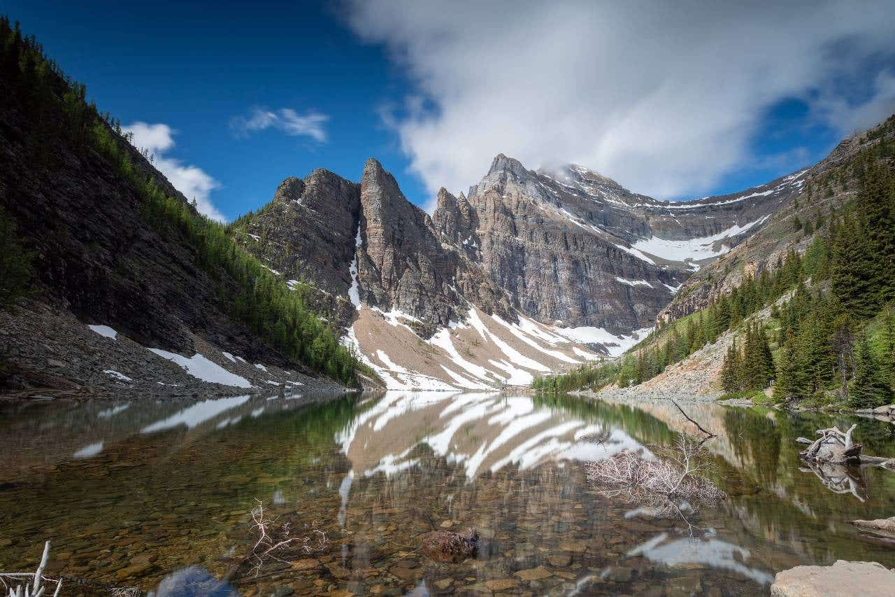 Wide-Angle vs. Telephoto Lens for Landscape Photography